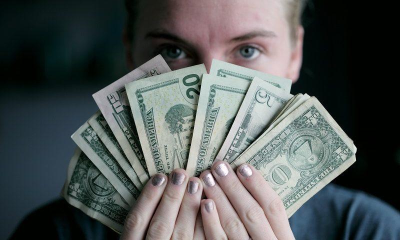 Geldscheine zeigen