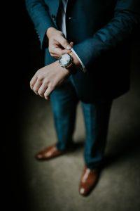 Business Mann Uhr Anzug