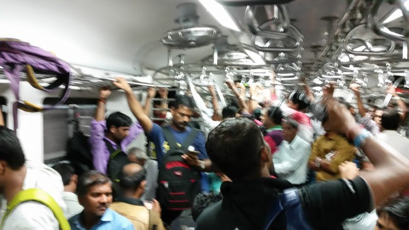 Zug Menschen Indien