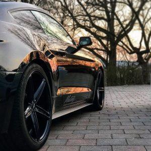 Ford Mustang Seite von hinten